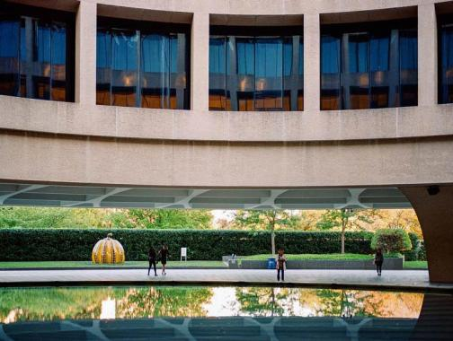 @teamgrayduck - Outside the Smithsonian Hirshhorn Museum at the Sculpture Garden - Free modern art museum on the National Mall in Washington, DC